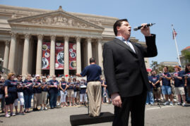 Irish Tenor Anthony Kearns Sings with the Memorial Day Festival Chorus at the National Memorial Day Parade
